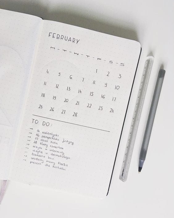 minimalist bullet journal monthly layout inspiration