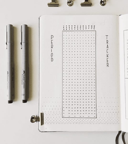 minimalist period tracker in bullet journal