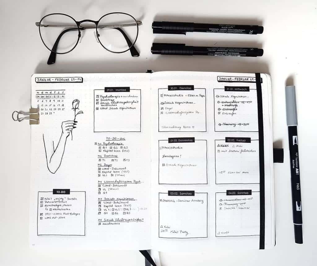 minimalist weekly spread bullet journal