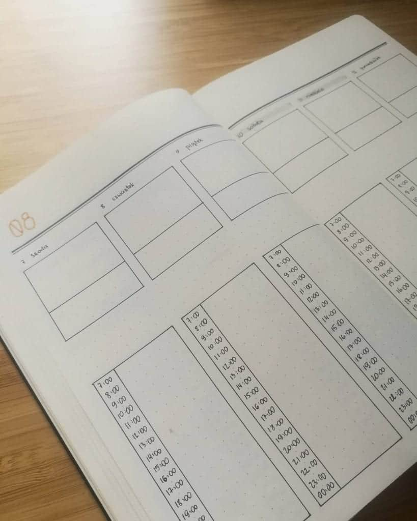 minimalist bullet journal timetable